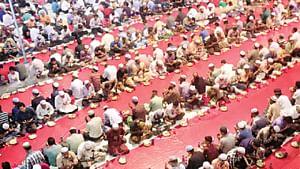 ইফতারের সময় দোয়া কবুলের সময়। বায়তুল মোকাররম জাতীয় মসজিদ থেকে ছবিটি তুলেছেন আশরাফুল আলম