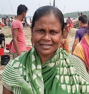 পটুয়াখালীর রাঙ্গাবালী  বড় বাইশদিয়া ইউনিয়নের নারী শ্রমিক শোভা রানী