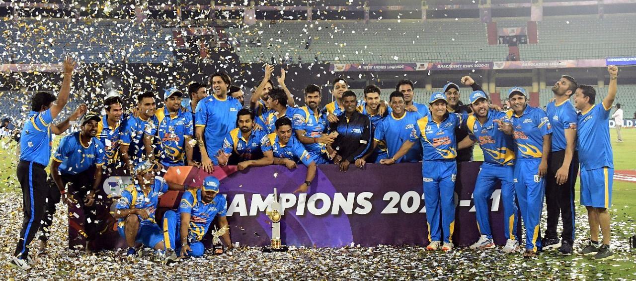 লিজেন্ডস ক্রিকেটে শিরোপা জিতেছে টেন্ডুলকারের নেতৃত্বাধীন ভারত দল।