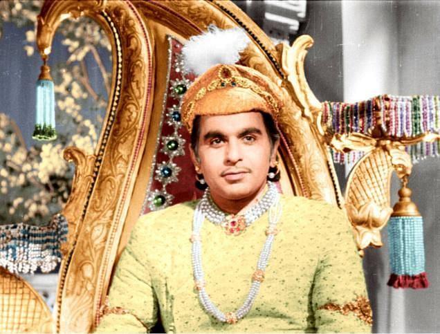 দীর্ঘ প্রস্তুতি নিয়ে ১৯৪৬ সালে শুরু হয় 'মুঘল-ই-আজম'–এর শুটিং