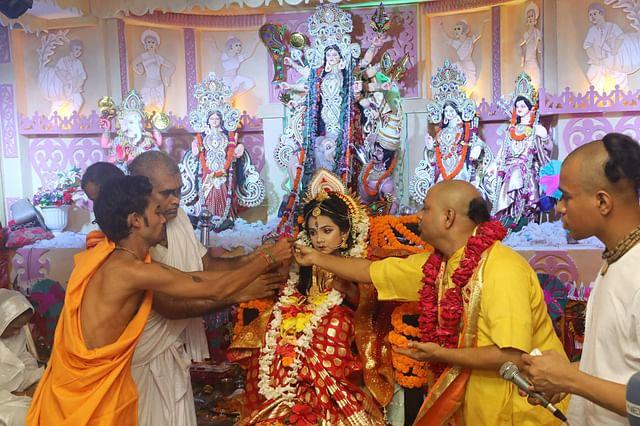 চট্টগ্রাম নগরের পাথরঘাটা শান্তনেশ্বরী মাতৃমন্দিরে কুমারীপূজা অনুষ্ঠিত হয়