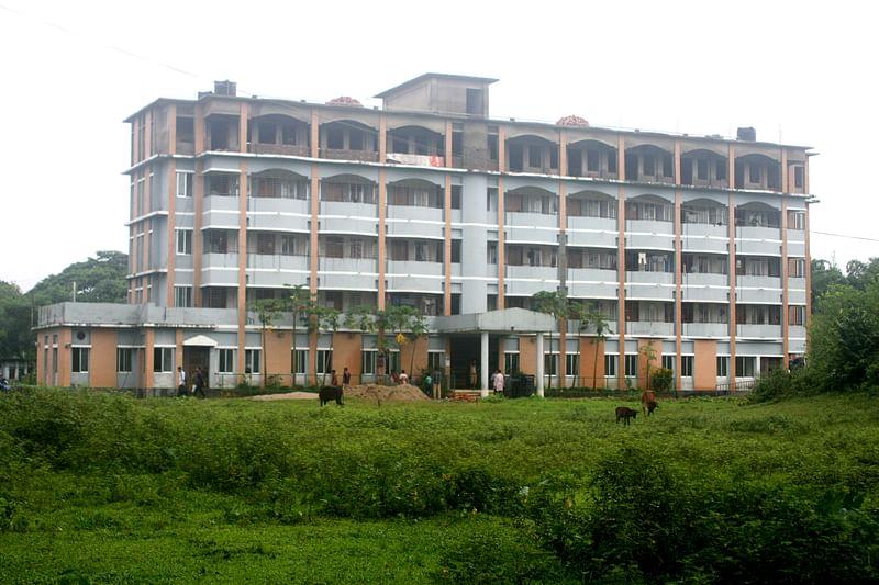 এমসি কলেজ ছাত্রাবাসের ২ নিরাপত্তাকর্মী বরখাস্ত, তদন্ত কমিটি গঠন
