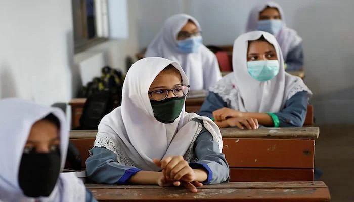পাকিস্তানে করোনার দ্বিতীয় ঢেউ, ১০ জানুয়ারি পর্যন্ত শিক্ষাপ্রতিষ্ঠান বন্ধ
