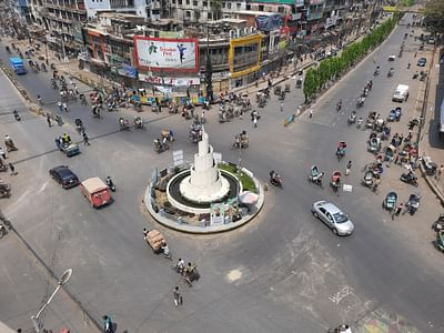 ফাঁকা চট্টগ্রাম নিউমার্কেট মোড়। চলছে না পাবলিক বাস। আজ বেলা সাড়ে ১০টায় তোলা
