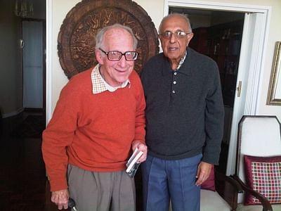 আহমেদ খাতরাদার সঙ্গে পিটার হ্যাজেলহার্টস