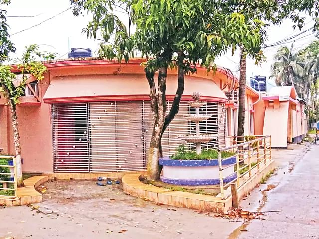 Recent picture of Barkat and Rubel's house in Badarpur