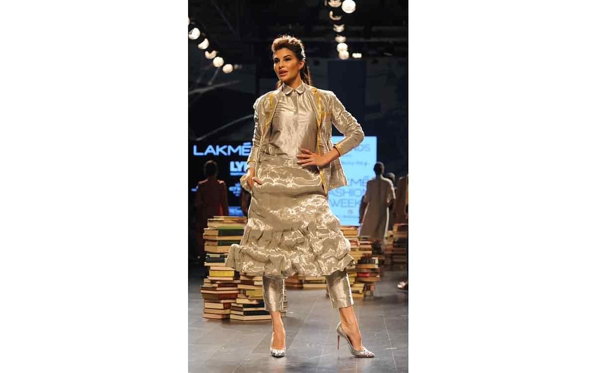 Fernandez Models Punjabi Suit At Lakme Fashion Week